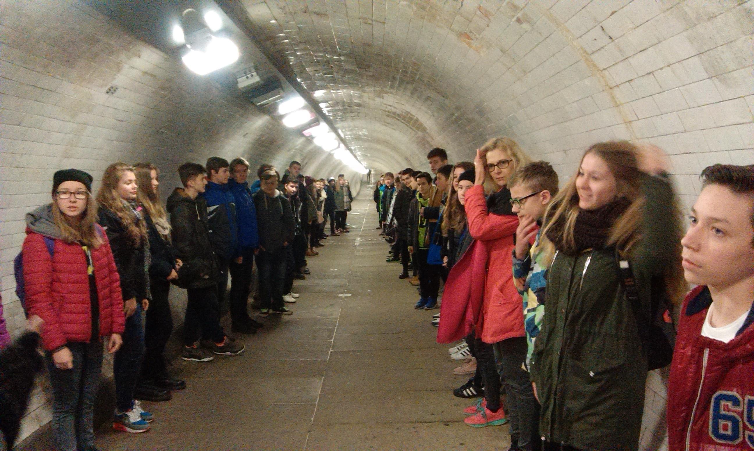 W tunelu pod Tamizą